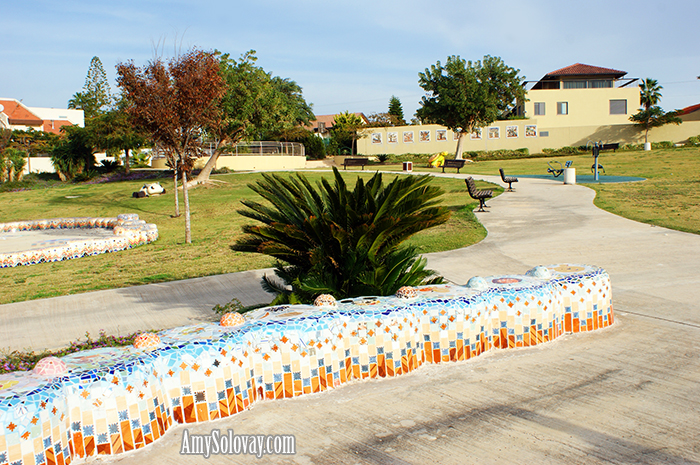 Here you can see the mosaic benches in Ashkelon's Baltimore Park.