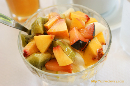 Greek Yogurt With Honey and Fruit